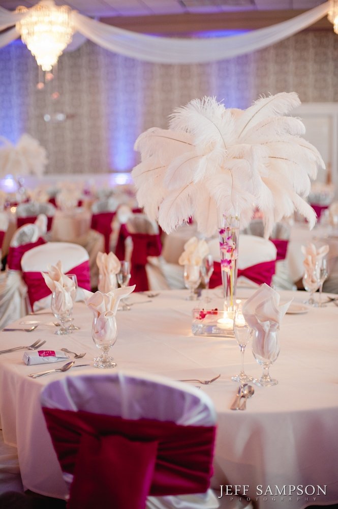 how to make feather table centrepieces