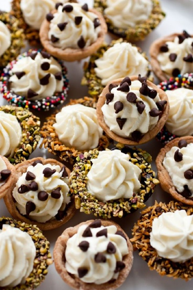 ... It's so easy to make! | Cannoli, Dessert shots and Fruit pizza recipes