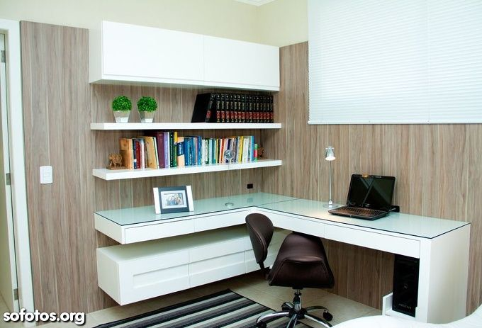 Home office pequeno branco