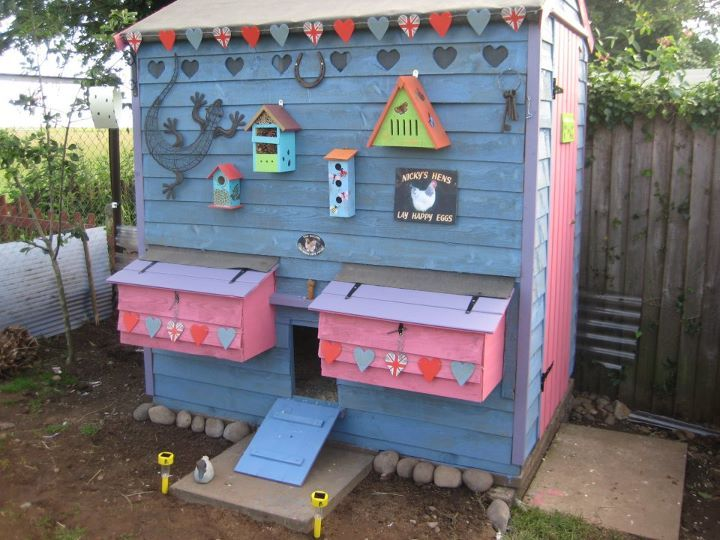 1000 images about cute coops on pinterest chicken coop for Cute chicken coop ideas