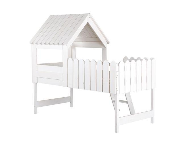 Un lit mezzanine cabane