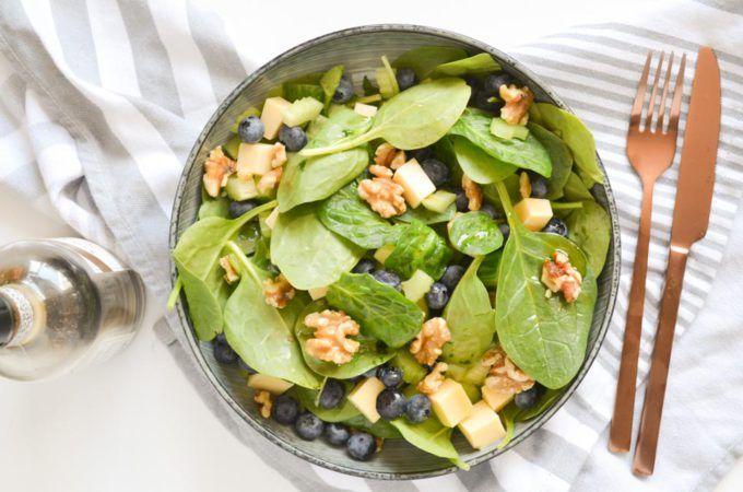 Baby Spinazie Salade met Bosbessen en Hollandse Kaas