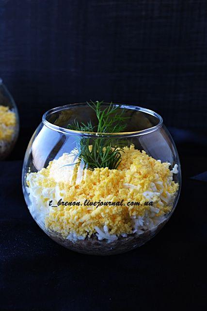Я очень люблю салаты. Разные! Зимой - сытные, мясные, картофельные, а летом - самые легкие - травка, овощи, оливковое масло. Некоторые готовлю редко, по праздникам,…