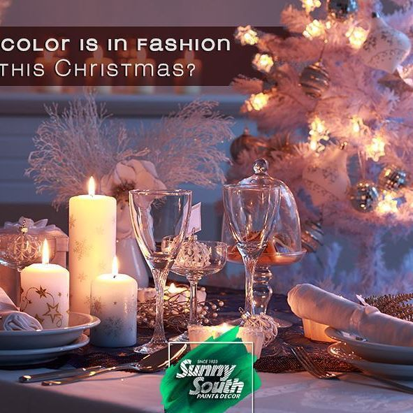 Christmas is upon us and we're starting to think about home decorations. We know the traditional Christmas colors are white, red and green, but there are other trends: The great novelty this year is natural colors to be used in all kinds of accessories. Light wood or jute stand out above the rest, and they look pretty good if matched with neutral tones, like white, grey and bronze. You can also combine them with the classics red and green. 📍Sunny South is your paint and decoration specialty…