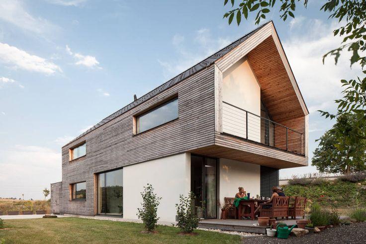 GOL 2 - Einfamilienhaus : Moderne Häuser von g.o.y.a. Architekten