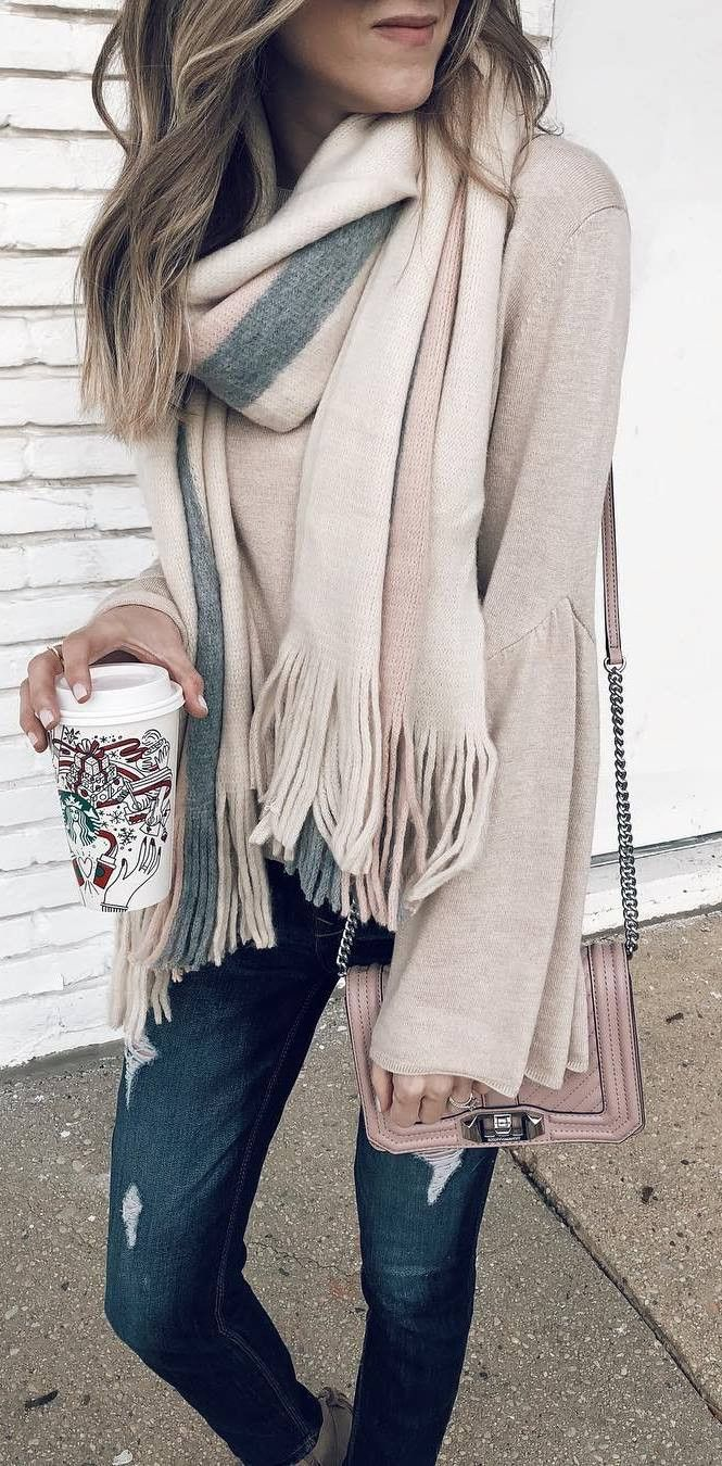 casual style perfection / scarf bag cardigan skinnies
