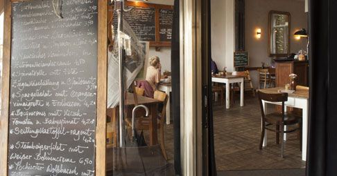 MEISTER GERHARD, KÖLN #curvedcucumber #cgncoffeeplaces #coffeeplaces #coffee #kaffee #premiumcoffee #favoriteplaces