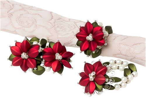 Poinsettia Napkin Rings - Instructions Here: http://www.primabead.com/Poinsettia-Napkin-Rings--P7200.aspx?source=pinterest