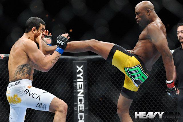 Anderson knocks out Vitor with a front kick to the face. When I watched this I was like ERMERGERD! - janae aka Jbizzle aka Jbomb aka Selimenji aka foot
