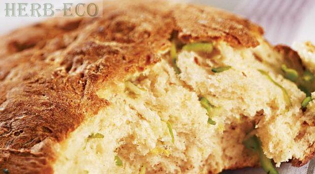 Кабачки - польза, рецепты, советы Попробуйте так же добавить натертые кабачки , щепотку ароматных трав и обжаренный до золотистого цвета репчатый лук (в воду при замесе) домашнего хлеба - и вы увидите какими новыми вкусовыми и ароматными красками заиграет обычный хлеб - домашним понравится  - уверяю вас.