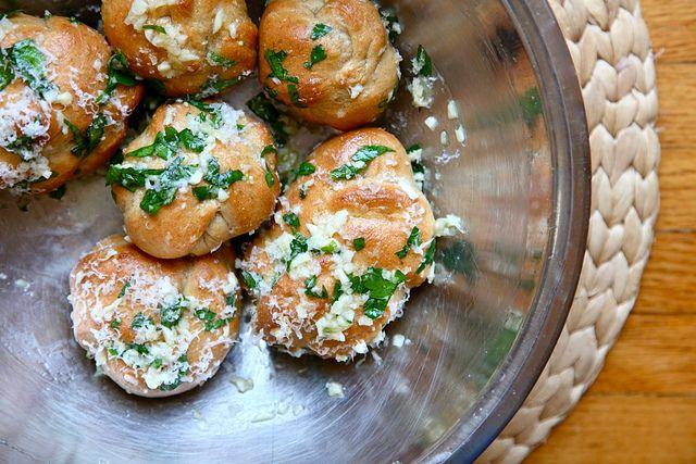 WHole wheat garlic knots | Mmmmmm! | Pinterest