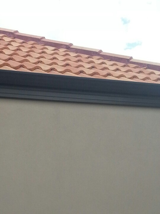 Best Terracotta Roof Tiles And Grey Solver B**V*R Walls 400 x 300
