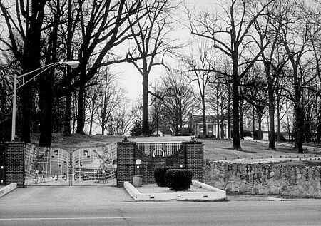 Graceland | Graceland - Elvis Presley's home in Memphis, Tennessee, USA - gallery ...