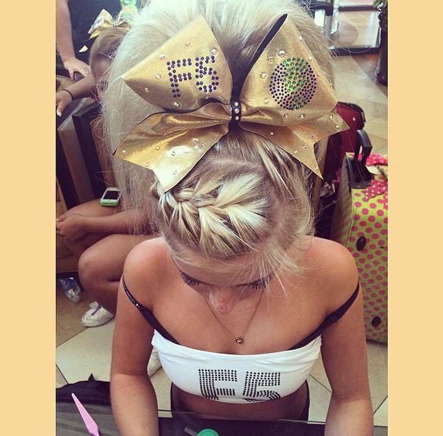 g-3-f-c-a-2-a:  can we appreciate her hair? it's perf. #Cheer #Cheerleader #Cheerleading #SpiritAccessories #ThingsWeLove #ReadyToCheer