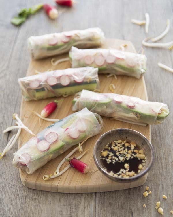 Rouleaux de printemps radis concombre – recette issue du magazine Esprit Veggie #3