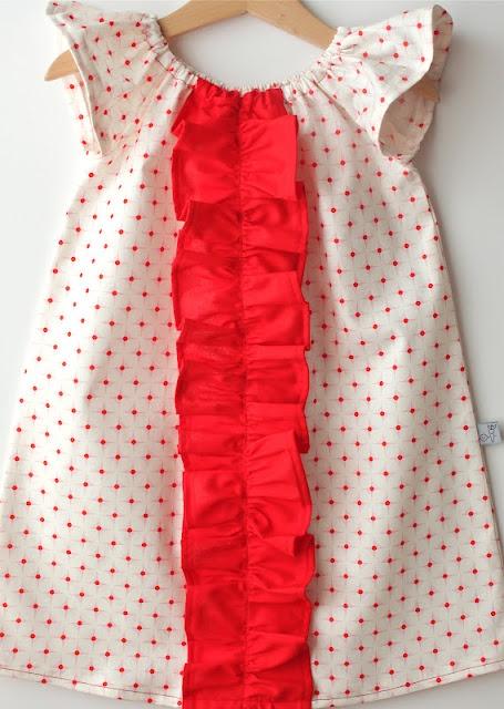 Ahh adorable!Polka Dots, Flutter Sleeve, Sleeve Ruffles, Cute Dresses, Ruffles Peasant, Peasant Dresses, Carrots, Ruffles Dresses, Smash Peas