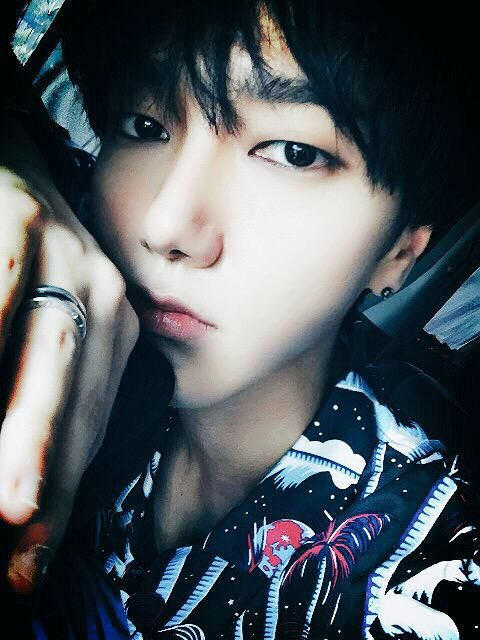 Yesung // Twitter the king is back who's hyped??? :D