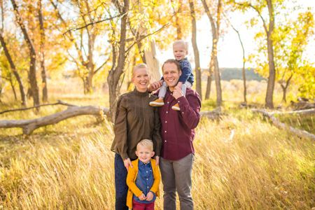 Ideas and poses for family portraits    Family fall pictures with children   Denver Family Photographers   Family Pictures   Colorado Family Portrait Photography