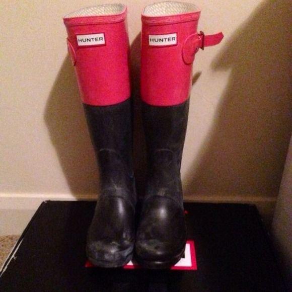 Women's hunter boots size 6. Lovin' the colour block!