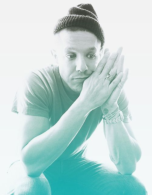 One of my favorite pictures of Theo Rossi //Juice Ortiz // SOA // Sons of Anarchy // SAMCRO // Redwood Original // Grim Rippers