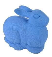 Risultati immagini per coniglio gigante plastica