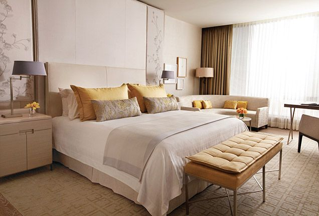 The guestrooms at Four Seasons feature soundproofing design, in-room temperature controls and signature beds, making each room a true sleeping sanctuary.