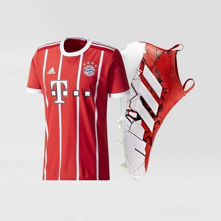 2/3 Oh yes! Who would rock this red and white combo LIKE and COMMENT below
