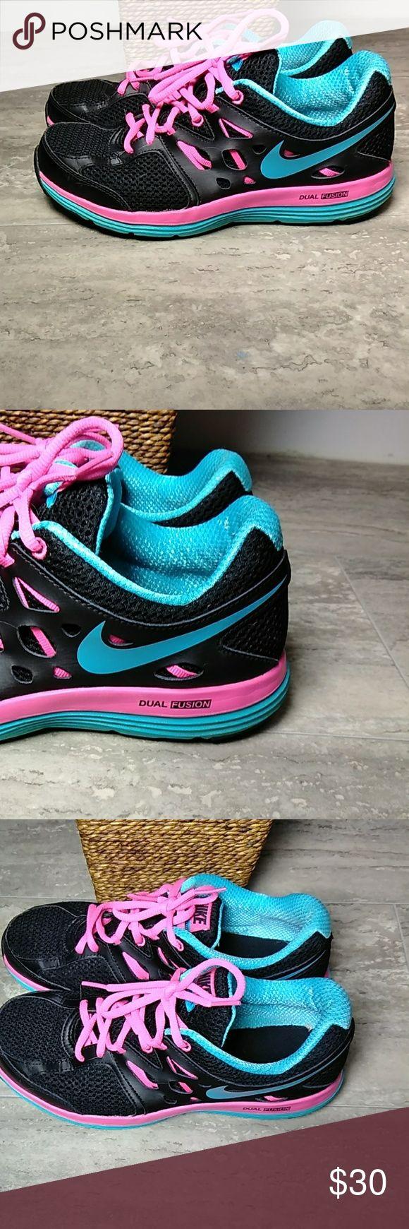 Nike Dual Fusion Lite,  size 8, like new! Nike Dual Fusion Lite,  size 8, like new! Nike Shoes Athletic Shoes