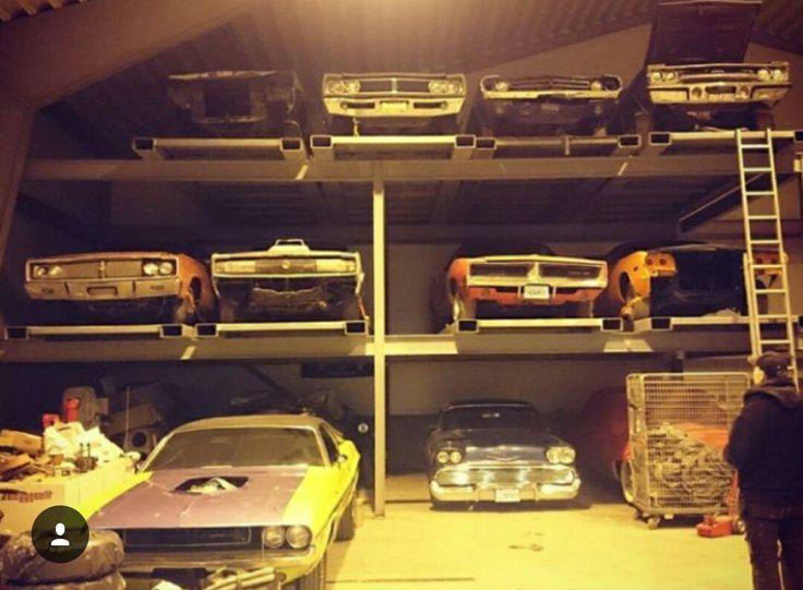 Bunch o great old cars  Mopar  Junkyard cars Cars Rusty cars