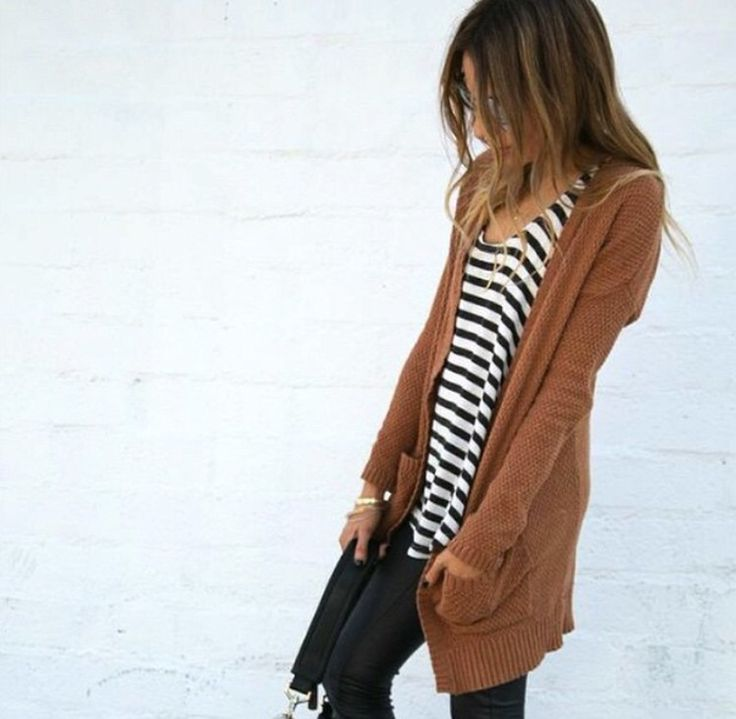 Long brown cardigan, striped top and black jeggings. Simple but stylish fall fashion and outfit ideas