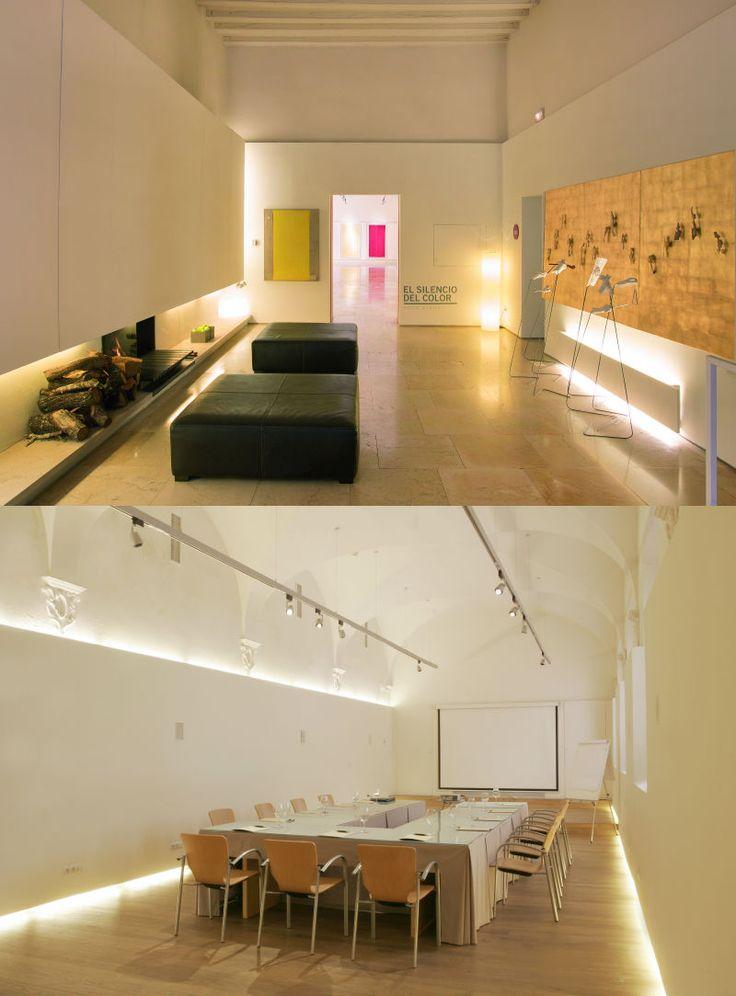 Convent de la Missió | Boutique Hotel | Palma de Mallorca | Spain | http://lifestylehotels.net/en/convent-de-la-missio | white, minimalistic, luxury, seating area, relax, natural light, conference table, meeting room