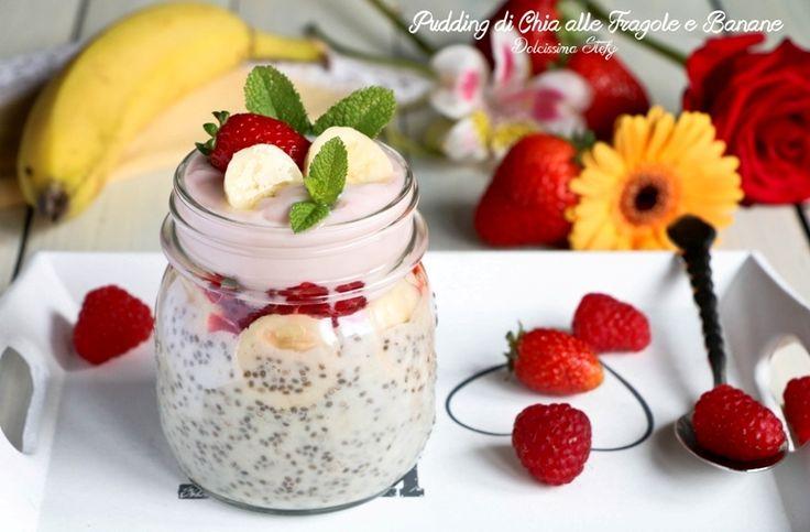 Alcune food blogger americane ultimamente pubblicano tutte la stessa ricetta e cioè il Pudding ai Semi di Chia alle Fragole e Banane.