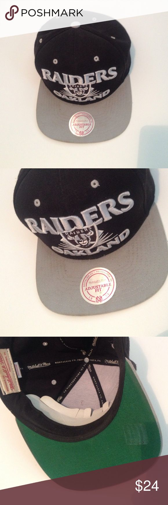 Oakland Raiders Hat Never Worn , Oakland Raiders Snap Back Mitchell & Ness Accessories Hats