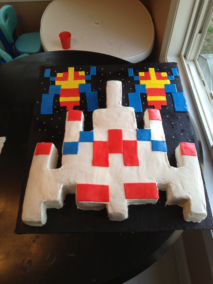 Galaga Cake Cakes For Sunday Pinterest Cakes
