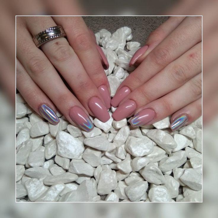 #acrylicnails #longnails #nudenails #pinknails #mirror #chameleon #powder #shinynails #magdaKnailArtist