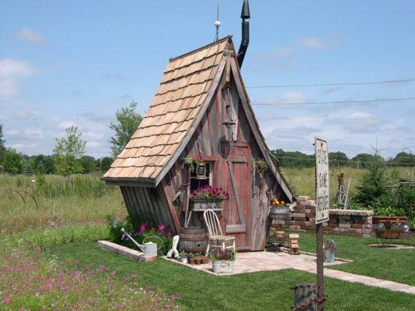 Gartenhäuser aus Holz – schönes und kompaktes Gartenhaus im Hinterhof…