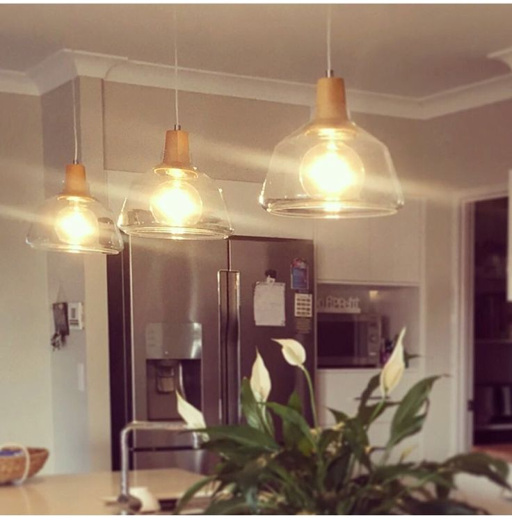 Our Laya large pendants with G125 LED filament globes compliment this beautiful kitchen perfectly. Thank you Carly for sending us this lovely images.. #bitolalightingandfans #kitchendesign #lightingdesign www.bitolalighting.com.au