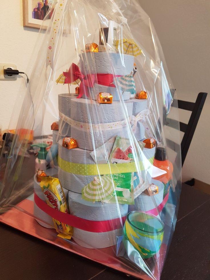 die besten 25 toilettenpapiertorte ideen auf pinterest einweihungsgeschenk ideen