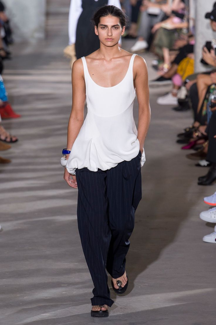 3.1 Phillip Lim Spring 2018 Ready-to-Wear  Undefined Photos - Vogue