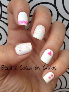 http://beatrizcosasdechicas.com/2014/06/27/manicura-blanca-y-rosa-fluor/