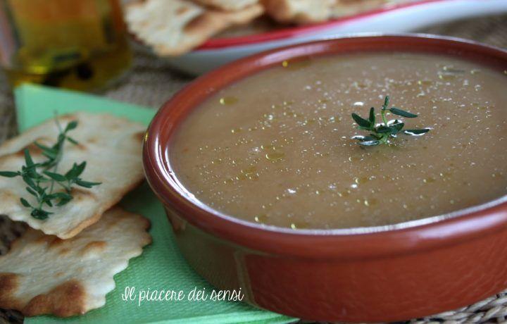 Vellutata di fagioli bianchi di Spagna    http://ilnuovopiaceredeisensi.altervista.org/vellutata-di-fagioli-bianchi/  #homemade #soup #timo #legumi  #fagioli #zuppa #buonappetito