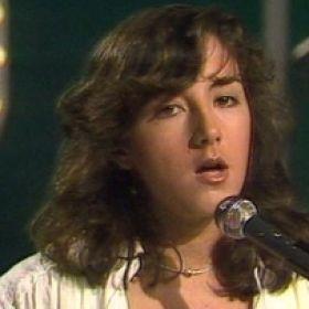 MECANO DEBUTA EN 'GENTE JOVEN' (1979)  El famoso grupo se presentó en Gente Joven cantando un tema de Luis Eduardo Aute, 'Al Alba'