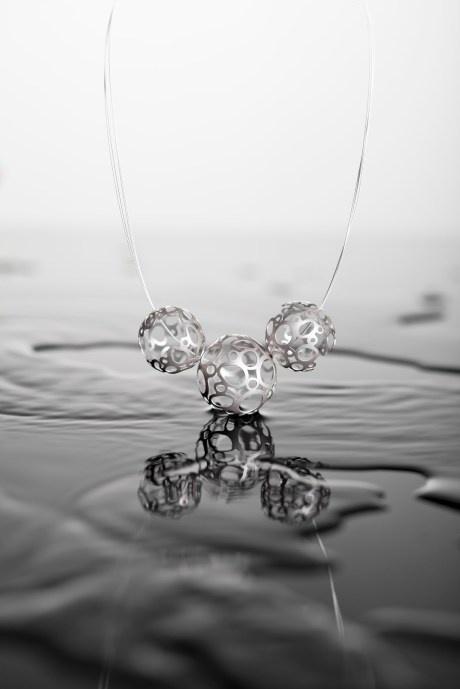 Necklace by UNOSTO designers – Czech Republic | DESIGNEAST.EU