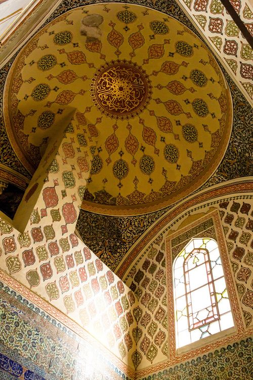 Topkapi Palace - Istanbul, I think I could spend hours here. Step aside beaches, THIS is my dream aesthetic.