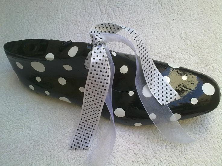 30 €-horma de adorno decorado artesanalmente por  silvia bregar