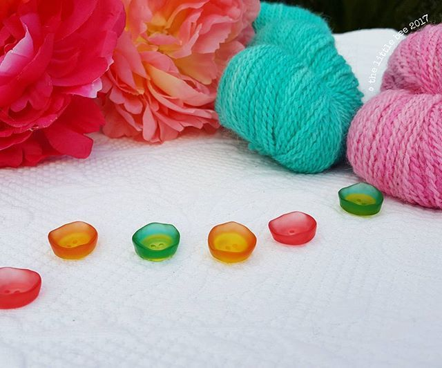 Indie Dyed yarns Gorgeous Buttons