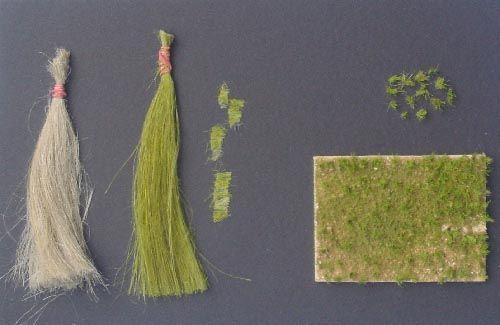 "touffe d'herbe en peignant de la ""filasse de plombier"""