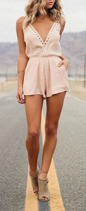 OBVIOUSLY wouldn't look like this on me because I have short legs but still cute!