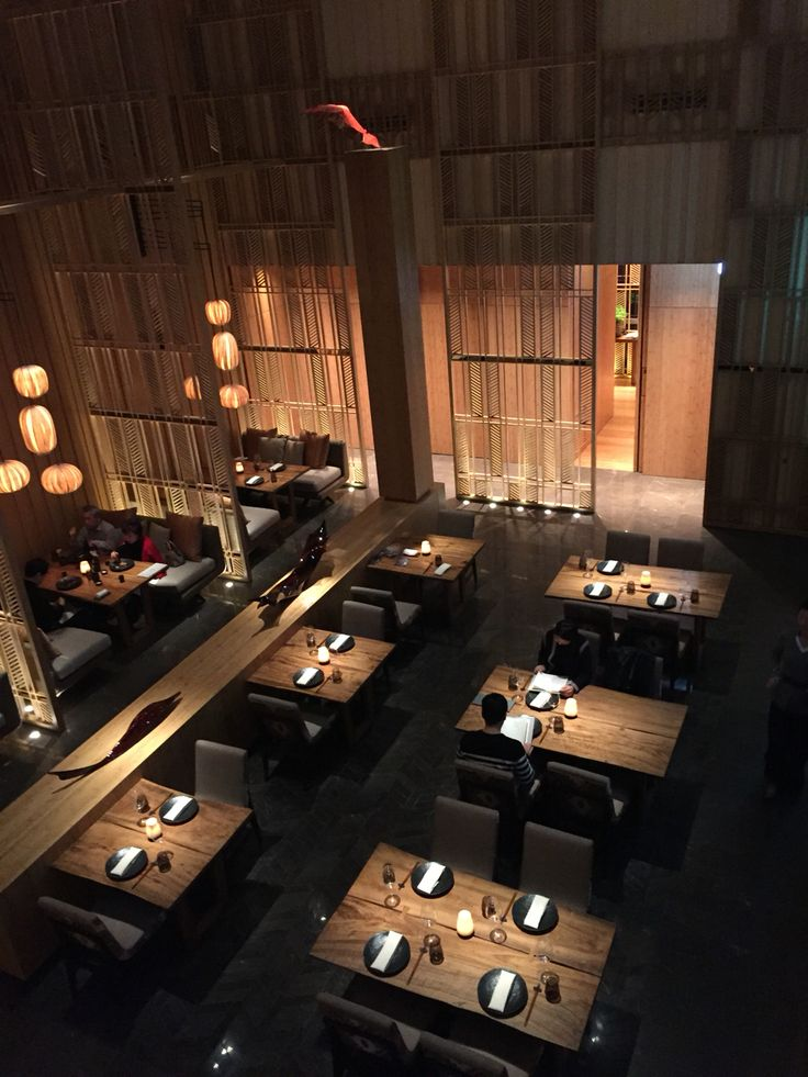 1000 ideas about japanese restaurant interior on for Koi sushi aix