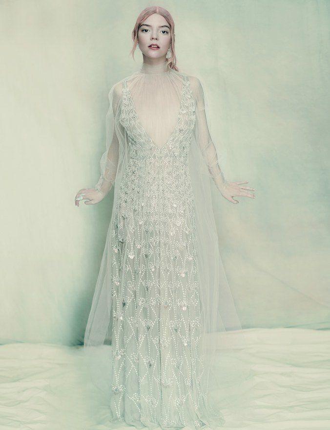 落入凡間的精靈:《Split》空靈女主角Anya Taylor-Joy登《W》4月號,詮釋多套絕美高訂服裝 - The Femin